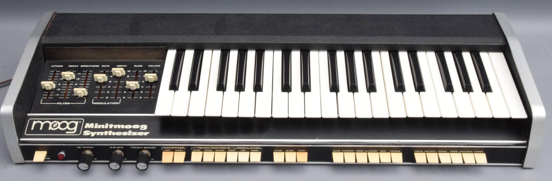 spheremusic bargain or auction detail Moog Prodigy Moog Minitmoog